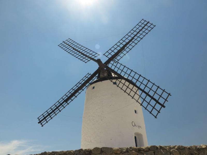 Molino de viento típico de La Mancha