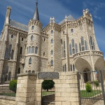Astorga: chocolate, Gaudí, Roma y la catedral
