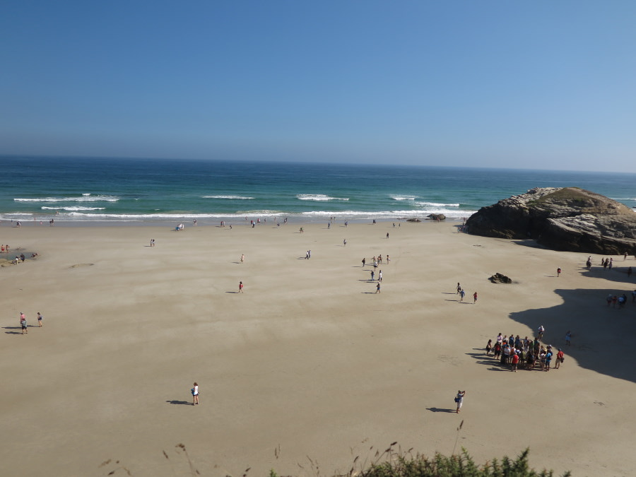 Playa de Las Catedrales, bañada por el Cantábrico