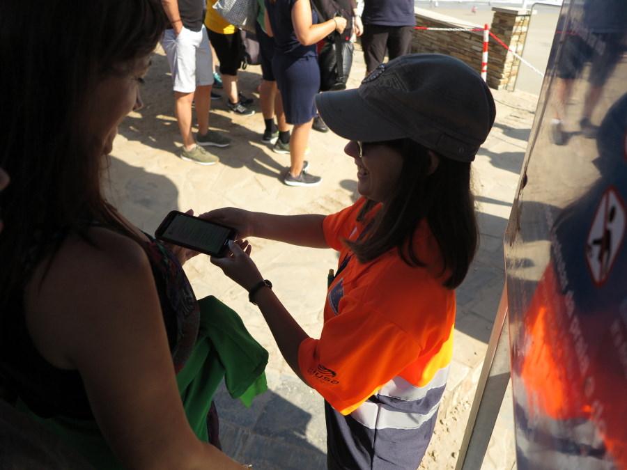 Control de acceso con permiso a la Playa de Las Catedrales