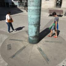Poste de direcciones en el centro de Lugo