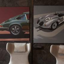 Cuadros de modelos míticos en la exposición temporal de Porsche en Madrid