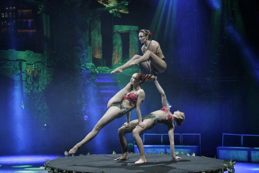 Contorsionistas del Circo Mágico