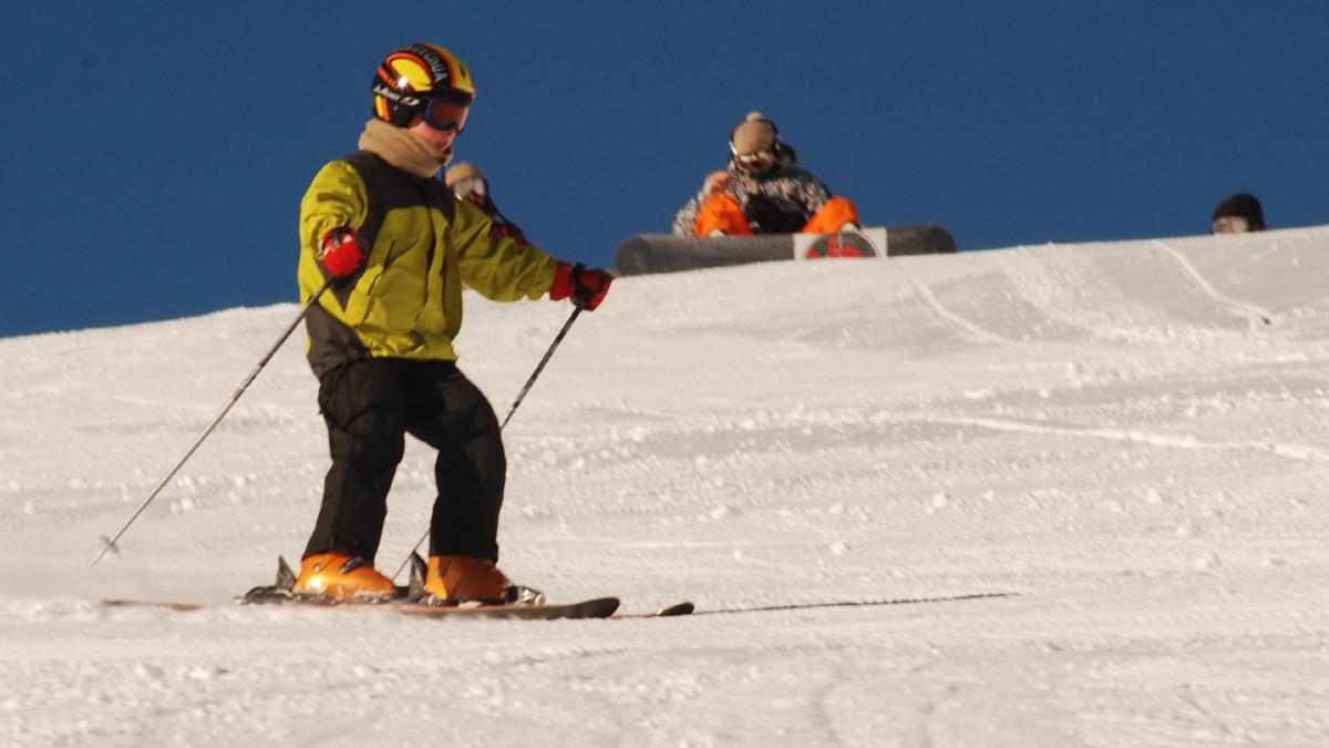 Cómo equipar a los peques para esquiar