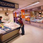 Galería de un Galería de un mercado tracicional de Madridtracicional de Madrid con peques