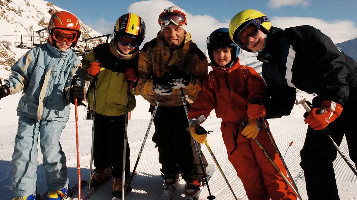 Te contamos cómo conseguir el equipo de esquí de los peques sin gastar mucho