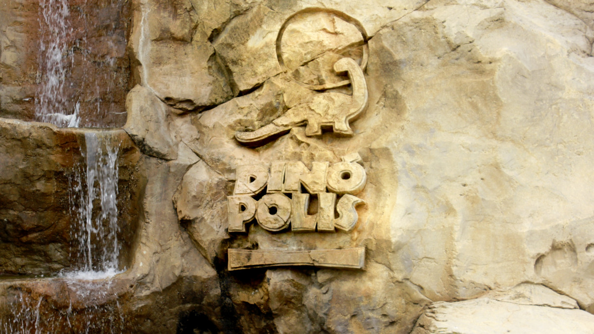 Información sobre horarios y precios para visitar Dinópolis