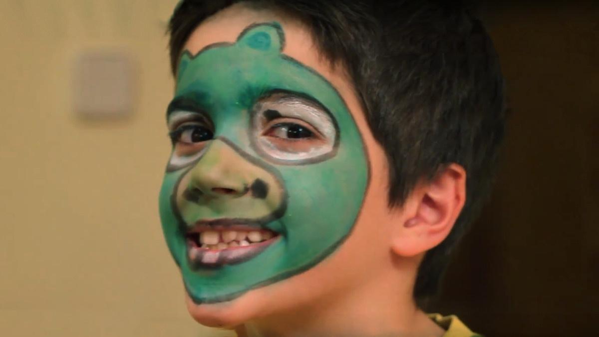 Tutorial para maquillar a tu peque para un disfraz de Angry Birds