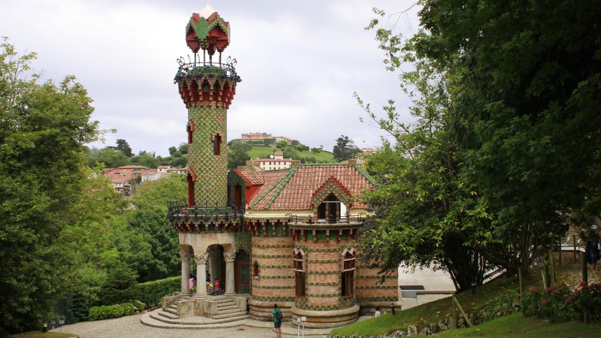 El Capricho de Comillas es un espectacular palacete diseñado por Gaudí