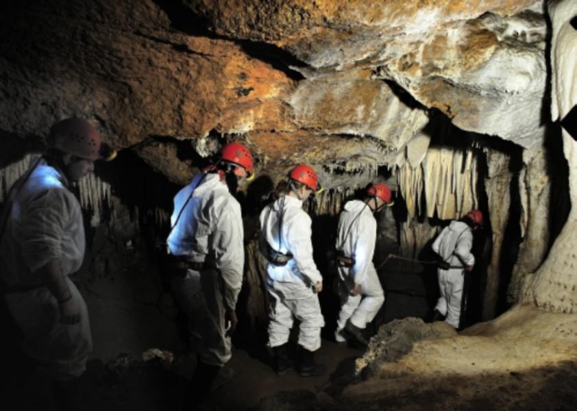 Turismo aventura en la Cueva El Soplao