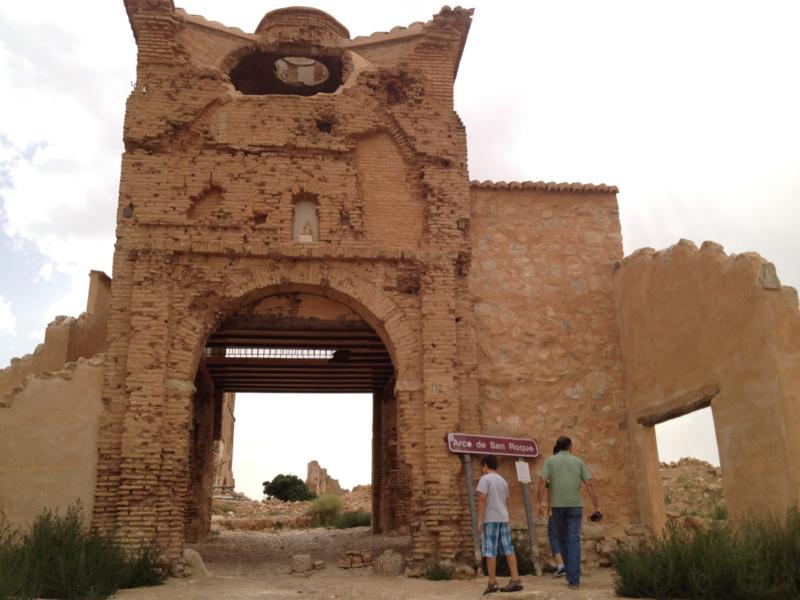 Facha en ruinas de la iglesia de Belchite