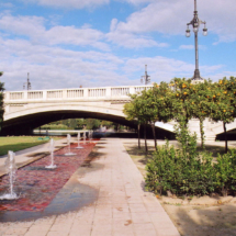 Puente sobre el antiguo cauce del Turia, en Valencia