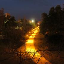 """Vista del """"antiguo cauce"""" del Turia por la noche"""