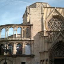 Puerta de los Apóstoles, junto a la 'Obra Nueva'