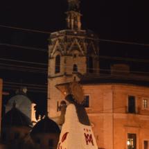 Imagen de la Virgen de los Desamparados con su manto de flores
