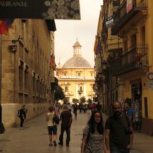Entorno de la Plaza de la Virgen, con el Palau de la Generalitat a la izquierda