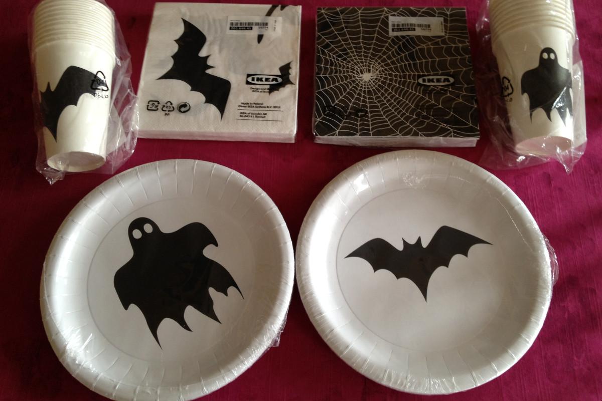 Elementos para vestir la mesa en Halloween de las tiendas Ikea