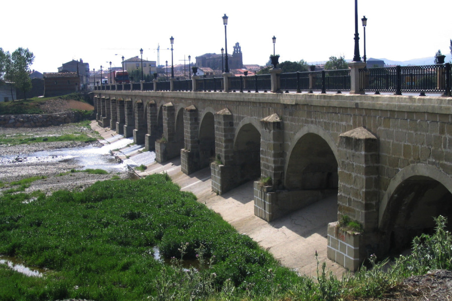 Puente sobre el río Oja, en Santo Domingo de la Calzada