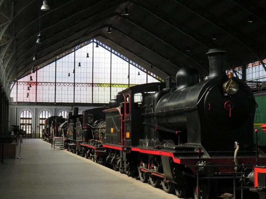 Muestra de trenes antiguos en el Museo del Ferrocarril