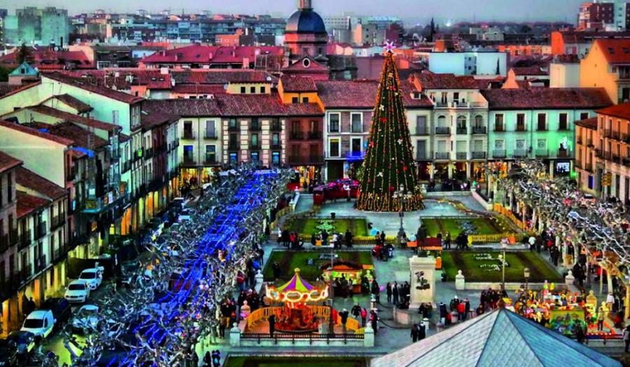 Decoración navideña de la Plaza Cervantes de Alcalá