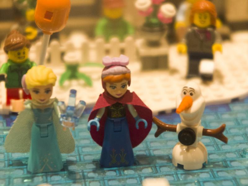 Representación de los personajes de 'Frozen' en la expo de Lego
