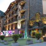 Entrada principal del hotel Princesa Parc, en Andorra