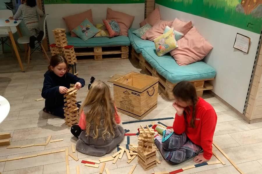 Los niños lo pasan genial en el Princesa Parc con las actividades para ellos