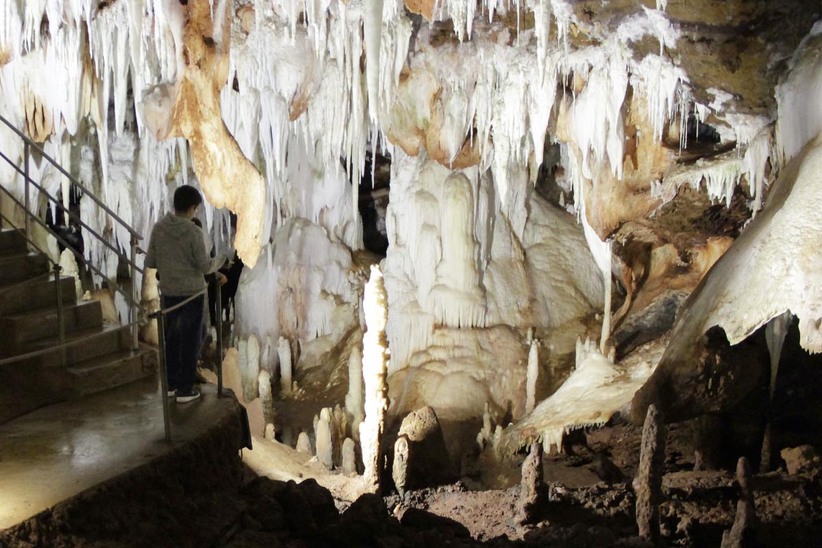 Descubrimos las grutas del Águila, en Arenas de San Pedro, con peques