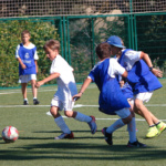 Os damos la información sobre tres campamentos de verano de fútbol e inglés.