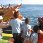16 viajes turísticos en barco para disfrutar con peques
