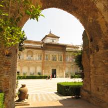 Acceso al Patio de la Montería del Alcázar de Sevilla