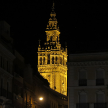 Vista de la Catedral de Sevilla, por la noche