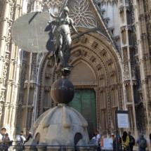 Reproducción de la veleta del campanario de la Catedral de Sevilla, la Giralda