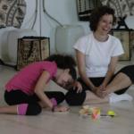Meditación en familia: para qué sirve y cómo practicarla todos los días