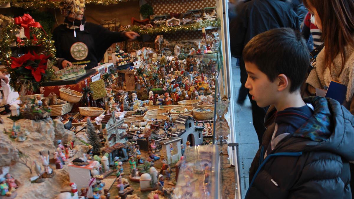 Puesto del mercado navideño de Granada