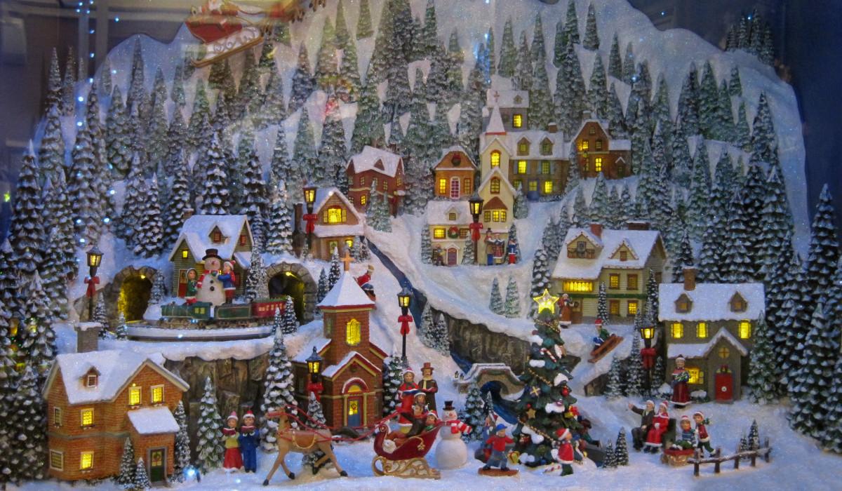 Diorama navideño en la tienda de cajas de música 'Rincón Musical' en Madrid