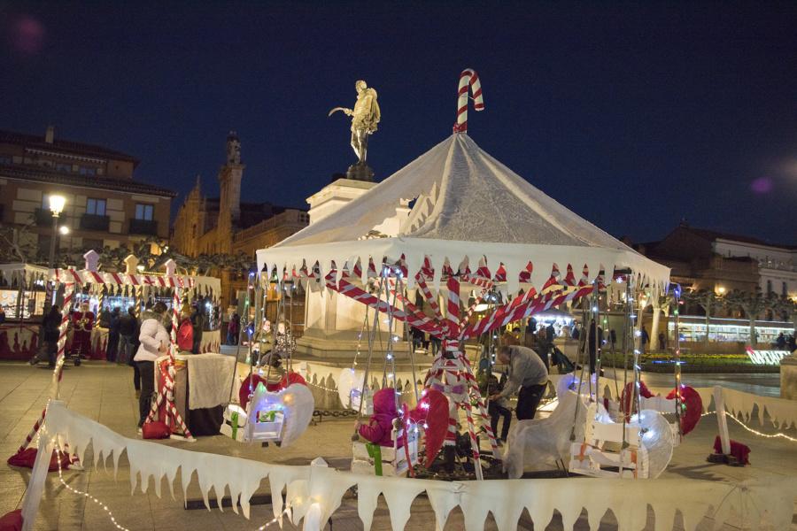 Navidad en Alcalá de Henares: carpas y columpios