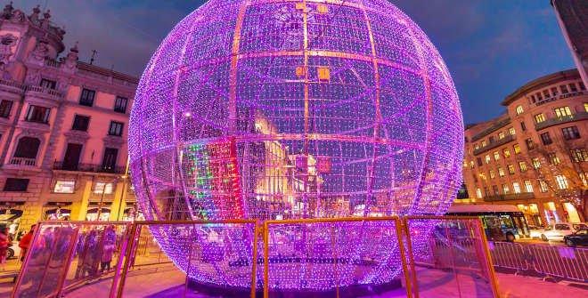 Gran bola decorativa de Metrópolis