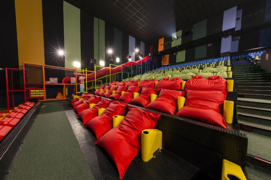 Sala de cine especial para niños pequeños