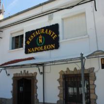 Fachada del restaurante Napoleón, en el Valle del Jerte