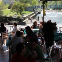 Terraza del restaurante El Torcas del Valle del Jerte