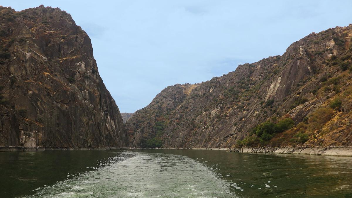 Navegamos por el río Duero entre los Arribes