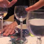Cómo hacer cantar una copa: sobremesa con niños