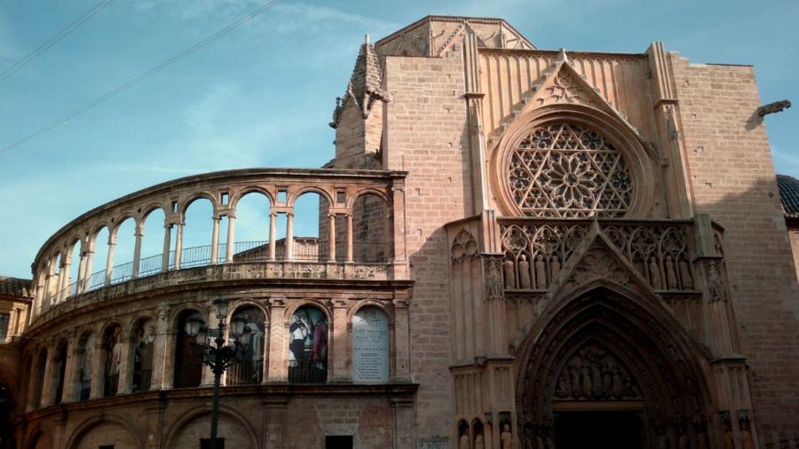 Puerta de los Apóstoles, junto a la 'Obra Nueva' de la catedral de Valencia