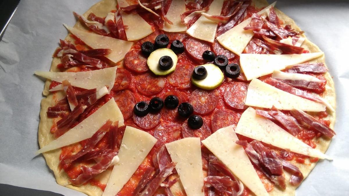 Pizza 'coronavirus' antes del horno