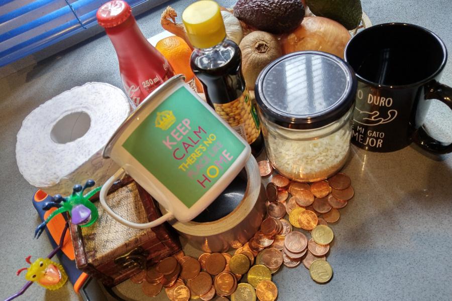 Cualquier objeto vale para montar un bazar para jugar a las tiendas en casa