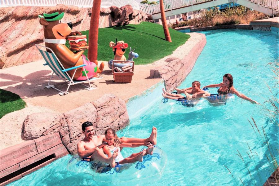 Warner Beach tiene atracciones acuáticas para todas las edades, especialmente para los peques