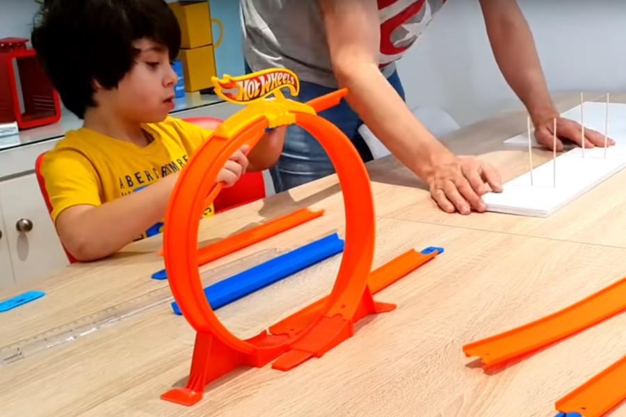 Mattel lanza el #RetoHotWheels para peques en casa