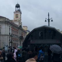 Boca de la estación de Sol del Metro de Madrid, en la Puerta del Sol