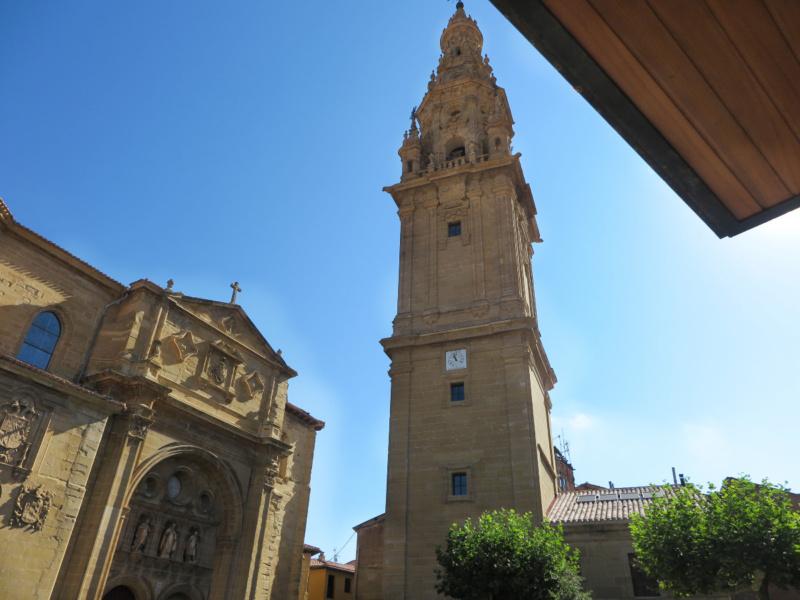 Torre y fachada de la Catedral de Santo Domingo de la Calzada